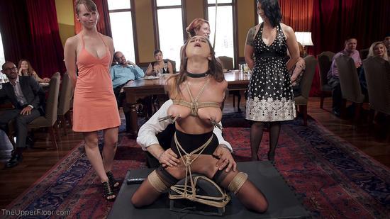 Теперь прелестная Ashley Adams садится на член сверху