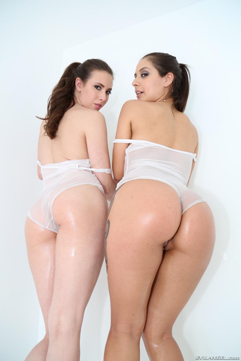 Большие аппетитные задницы сексапильных брюнеток Jynx Maze и Casey Calvert