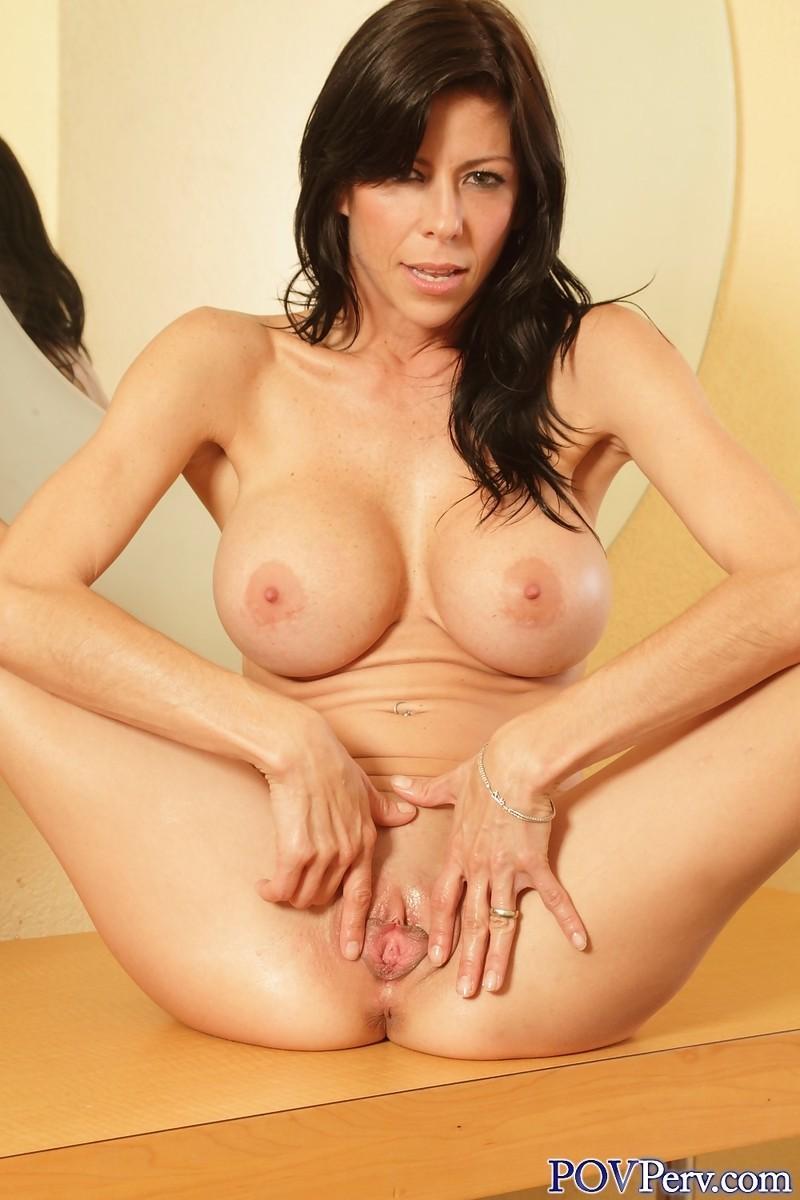 Порно зрелая женщина с большими формами