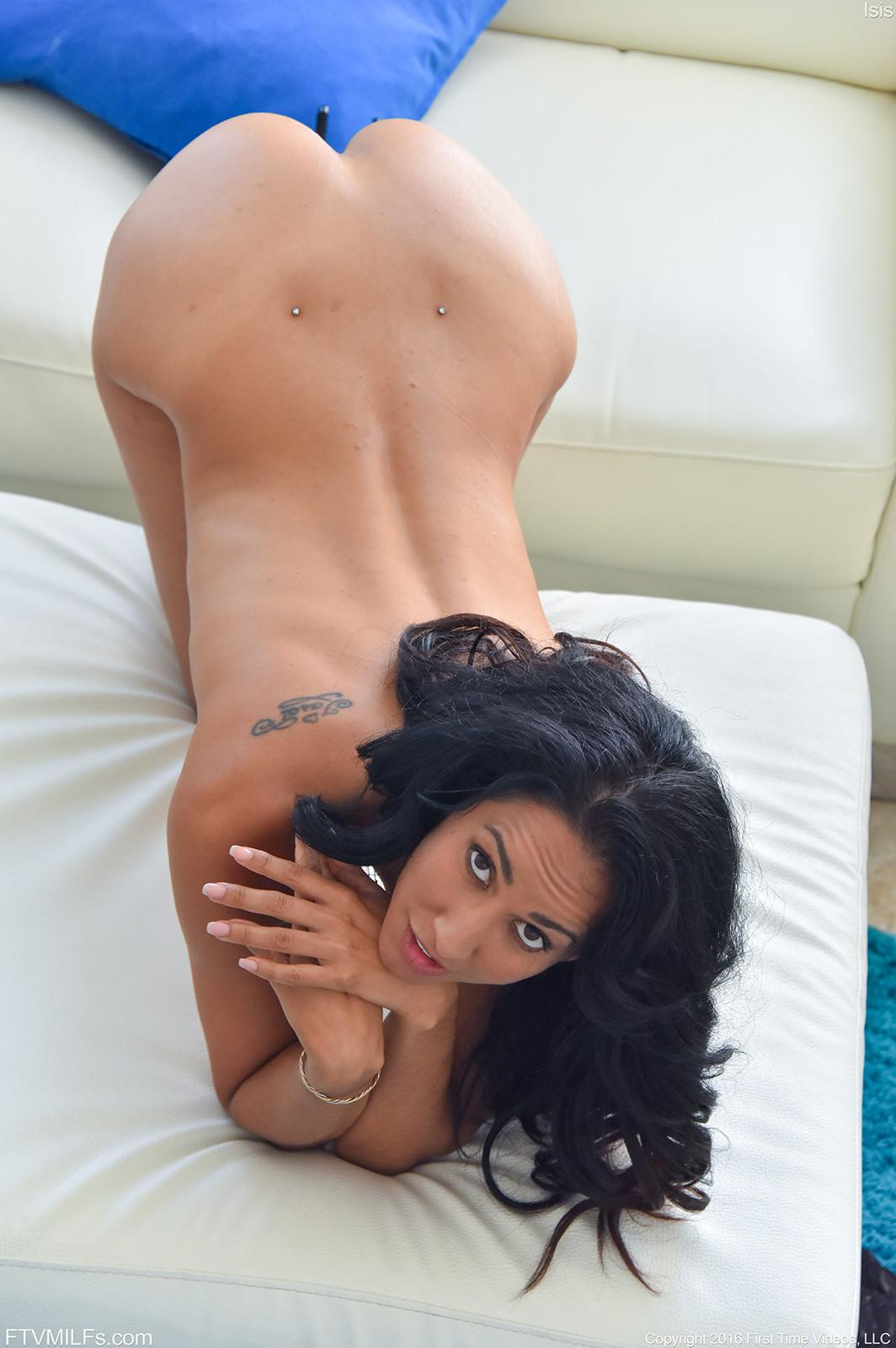 Isis Love порно фото